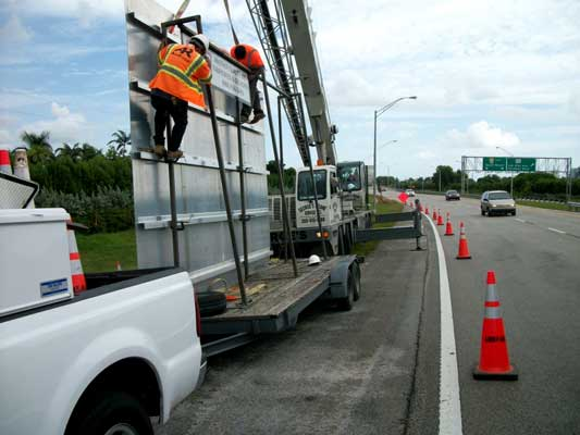 Cross City Florida Signs  Cross City Florida Pavement Markings Striping Road Bridge Maintenance